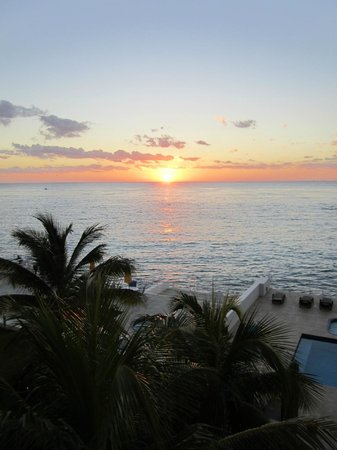 Cozumel's Condominios Marazul: Sunset beauty