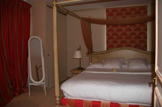 Clos La Boetie : room