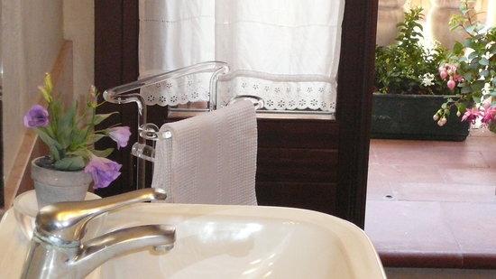 B&B Il Piccolo Giardino: la stanza da bagno