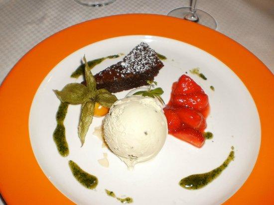 Selv om det er en super god fiskerestaurant laves da også klasse dessert.