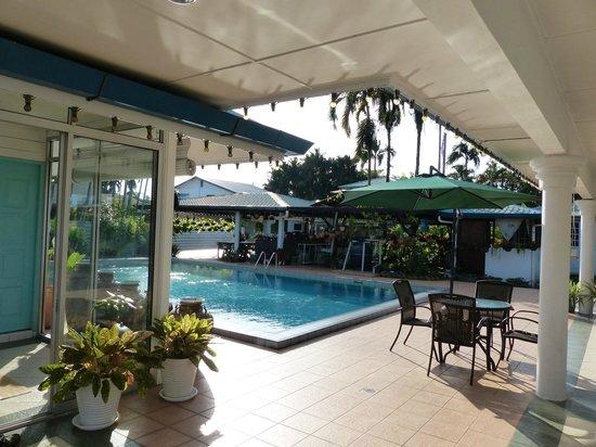 The Kebun Residences : The Pool