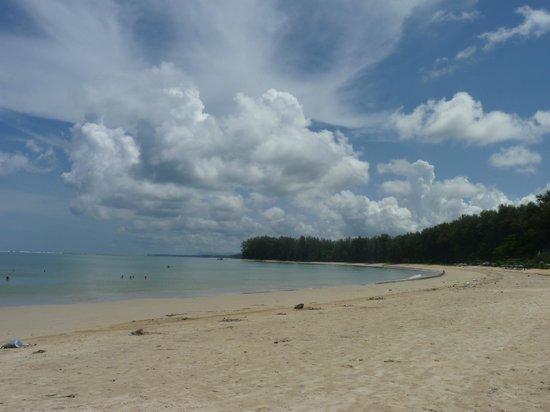 Seapines Villa Liberg: plage de Naiharn