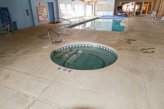 Comfort Inn Santa Rosa : Spa & Pool