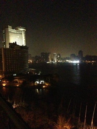 Four Seasons Hotel Cairo at Nile Plaza: Diplomatic Suite: Night View