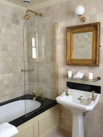 The Gore – Starhotels Collezione: Bathroom in luxury double