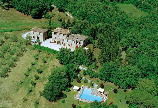 Agriturismo I Pianelli: A view above the property