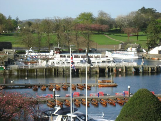Macdonald Old England Hotel & Spa: The boats for cruising the Lake