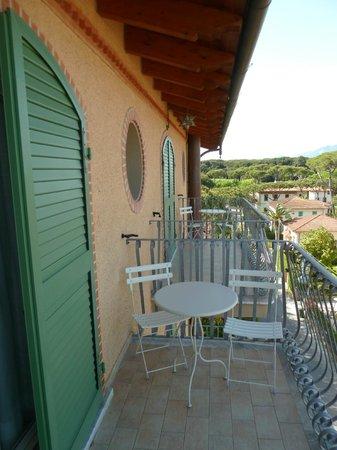 Balkon Foto Di Hotel La Pigna Marina Di Pietrasanta Tripadvisor