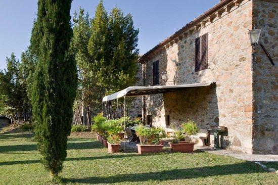 Agriturismo I Pianelli: A garden table
