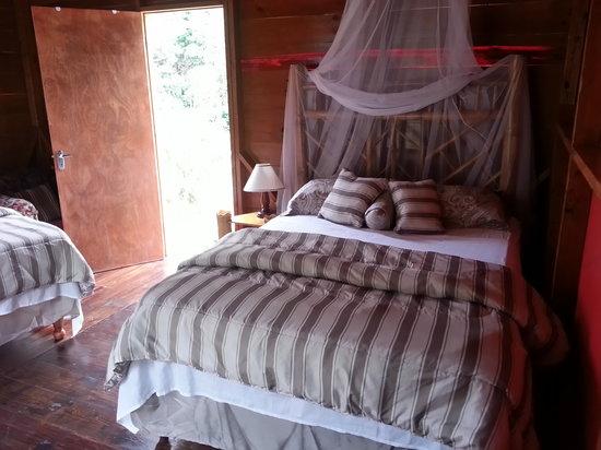 RafJam's Bed & Breakfast: bedroom