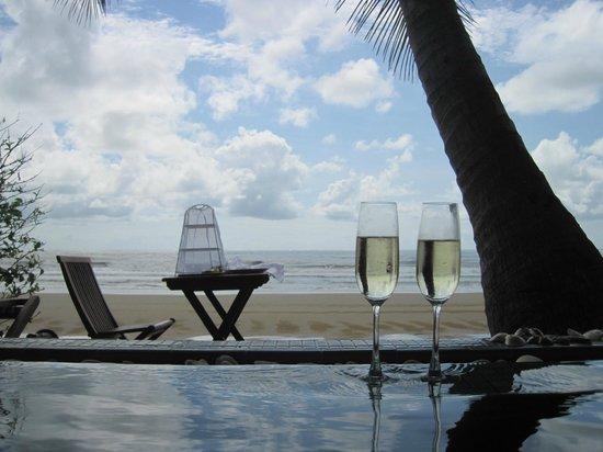 Aleenta Resort Pranburi: Terrace breakfast