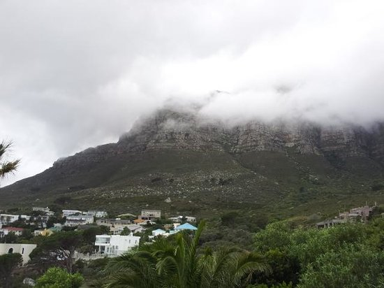 Atlanticview Cape Town Boutique Hotel: view on a cloudy day