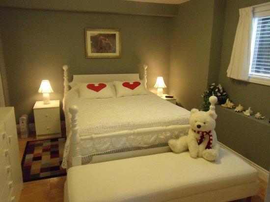 Mountain Bed & Breakfast: Suite queen bed