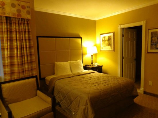 Comfort Inn Carmel By The Sea: Cama