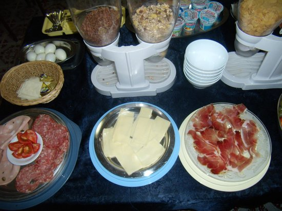 Hotel Sangallo : Buffet della prima colazione