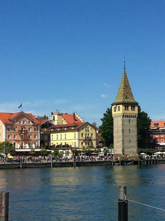 Hotel Helvetia : hotel e torre del porto