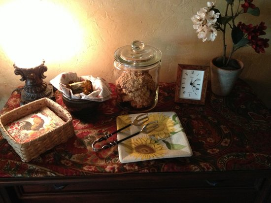 The Roost Bed and Breakfast: Snacks Upstairs!