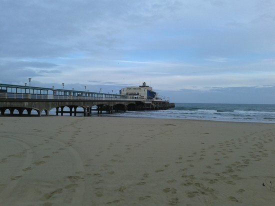 Bournemouth Pier: Beach and Pier
