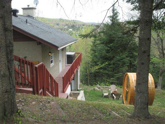 Domaine Ste-Agathe Resort: chalet # 24 - emplacement assez privé