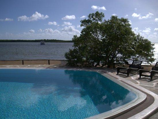 Manda Bay: Swimming Pool