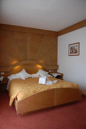 Hotel Catinaccio: Canera in legno