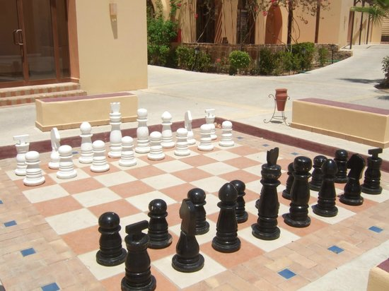 Iberotel Coraya Beach Resort: Giant Chess Game