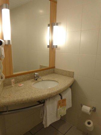 Ibis Santiago Providencia: Banheiro