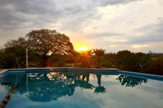 Rancho Las Cascadas Riding Tours: The beautiful pool are at sundown