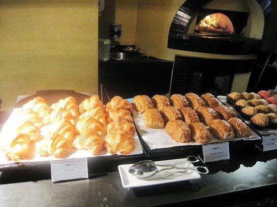 Cafe Mozu: Café Mozu - Delights bakery Corner