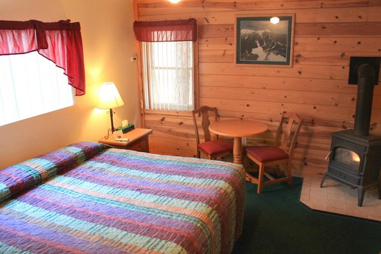 Ski Lift Lodge: Cabin #8