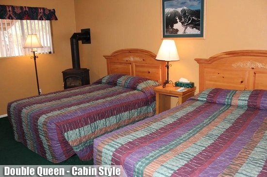 Ski Lift Lodge: Double Queen Cabin Style
