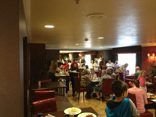 Best Western Plus Abbey Inn: Great Free Breakfast