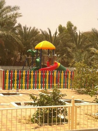Asfar Resorts Al Ain: garden side