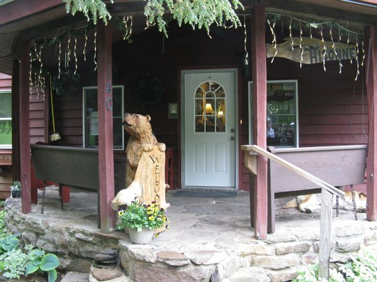 Stepping Stone Farm Bed and Breakfast: welcoming entrance