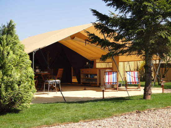Teversal Camping and Caravanning Site: Come glamping in our safari tent