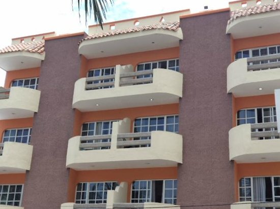 Hotel Sombrero Suites : View of the outside