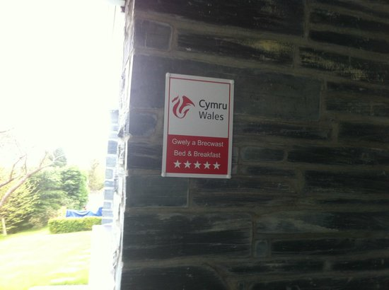 Maes-y-Garth: 5 star rating