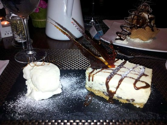 O'Gradys Gastro Bar and Grill: balieys and malteeser cheesecake