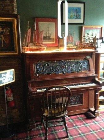 Ship Inn Restaurant & Brewery : Upright Piano as you enter
