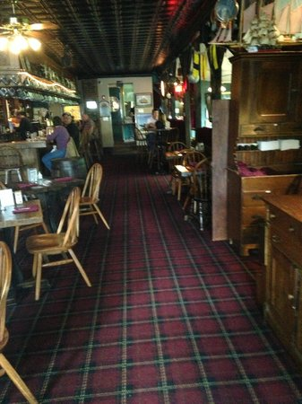 Ship Inn Restaurant & Brewery: Bar on left seating on right