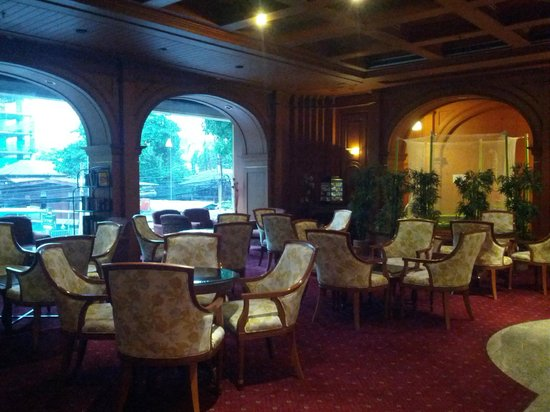 The Victory Executive Residence: Lobby