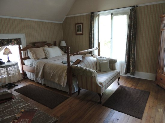 Seven Wives Inn: Harriet room