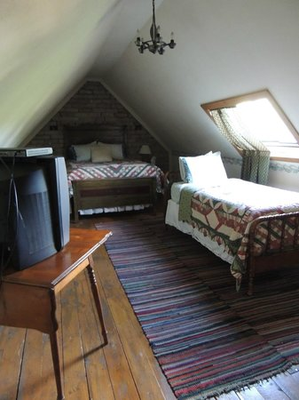 Seven Wives Inn: Jane Attic room