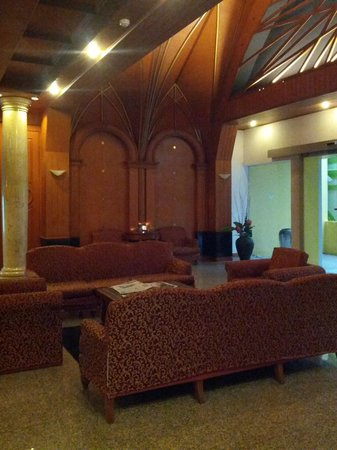 The Victory Executive Residence : Lobby