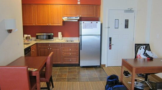 Residence Inn Seattle East/Redmond: Kitchenette