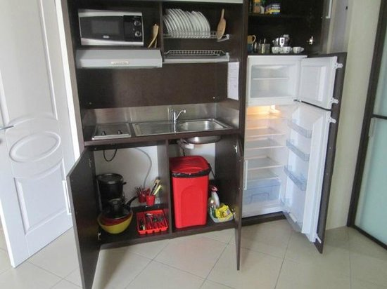 La Piazzetta: Well-equipped kitchen