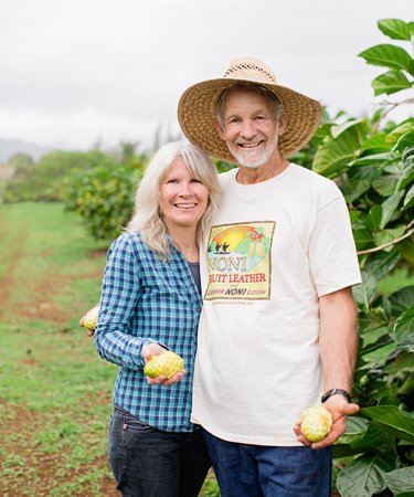 Hawaiian Organic Noni Farm: Steve and Richele Frailey