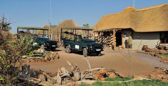 Ngoma Safari Lodge: Game drive vehicles ready to go