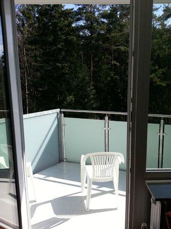 DEKRA Congresshotel Wart : le balcon de la chambre