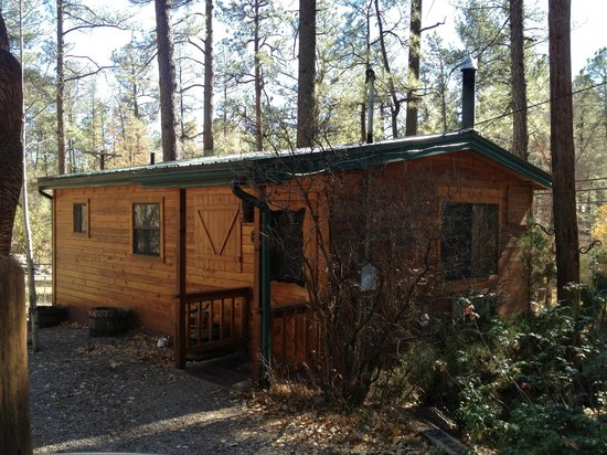 Story Book Cabins: The cabin from the outside